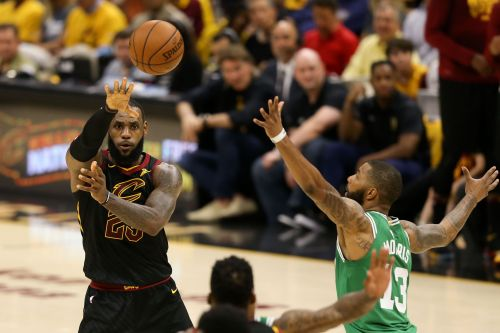 LeBron James carves up Celtics in Game 3 with passes 'only one person' would even try