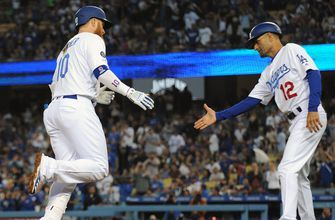 Justin Turner blast solo shot in Dodgers Victory over Cubs