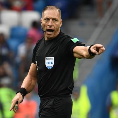 Nestor Pitana to referee World Cup Final
