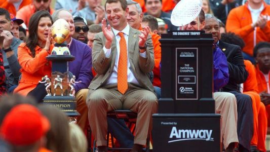 Clemson favored to win the national championship