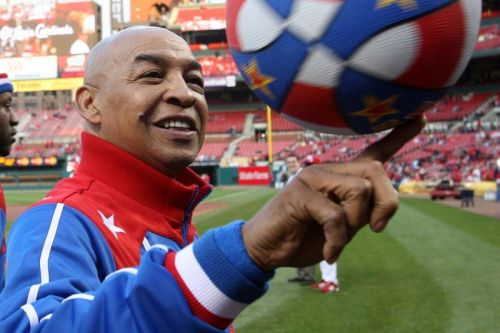 Harlem Globetrotters icon Fred 'Curly' Neal dies at 77