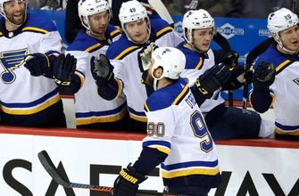 Blues remain without Schenn as they seek to hand Blackhawks a ninth straight loss