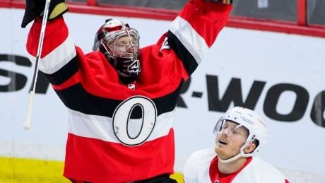 Senators' Craig Anderson stops 2 penalty shots in win over Red Wings