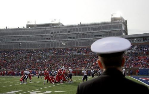NHL Winter Classic forces First Responder Bowl to relocate in 2019