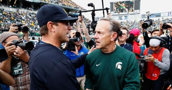Taking a look at Michigan betting odds versus Penn State, Wisconsin, MSU, Ohio State, and Notre Dame
