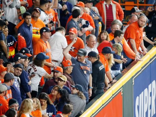 'I didn't reach over the line': Astros fan denies committing interference on overturned home run