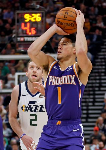 Gobert sets dunk record, Jazz cruise despite Booker's 59