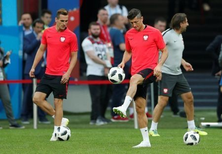Lewandowski and Rodriguez need to fire in crunch Kazan clash