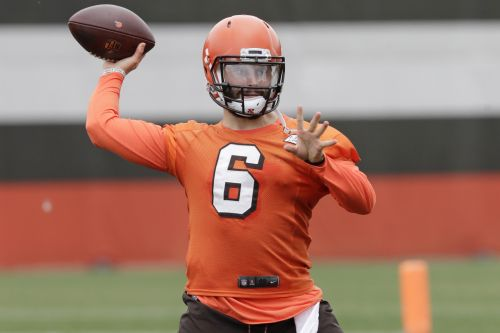 Rookie quarterback class intrigues as NFL camps begin