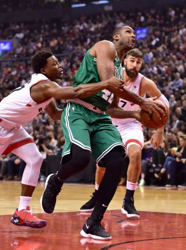 Kawhi Leonard scores 31 points, Raptors beat Celtics 113-101