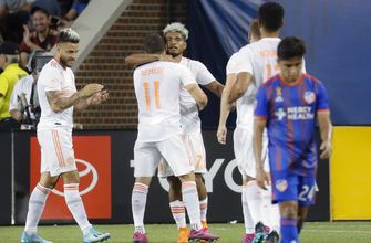 Martinez scores twice, Atlanta shuts out Cincinnati 2-0