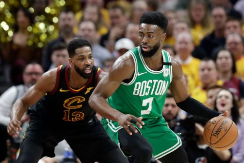 LeBron scores 44 as Cavs even series with Celtics