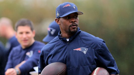 Dolphins eyeing Patriots' Brian Flores as next head coach, report says
