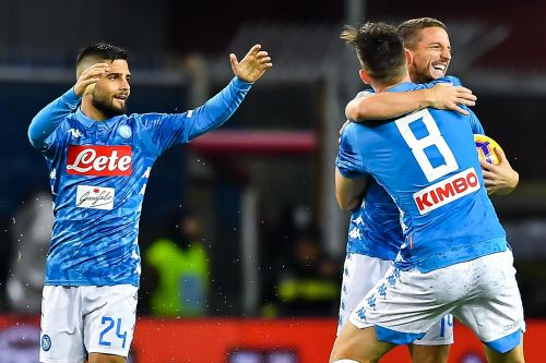 Napoli get win over Genoa under rainy conditions, stay close to Juve
