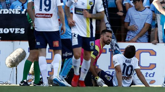 Central Coast Mariners sweating on Tommy Oar's knee scans
