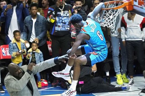 Watch: Hamidou Diallo wins dunk contest with slam over Shaq