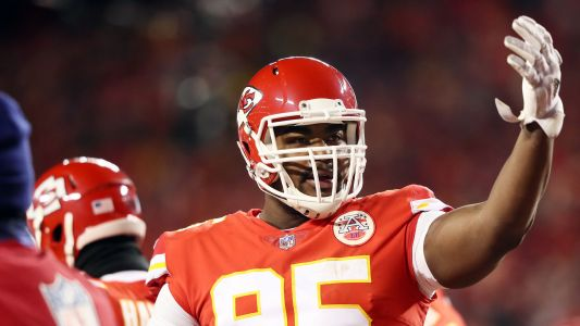 Chiefs' Chris Jones reportedly isn't at OTAs as contract situation looms large