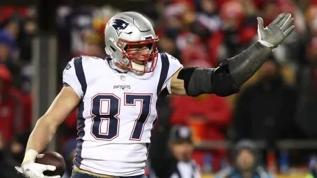 Former Patriots star Rob Gronkowski says football 'always an option,' but not in '19