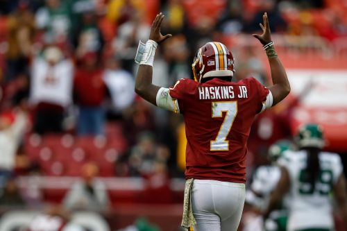 Dwayne Haskins begs for help from Redskins' hapless offensive line