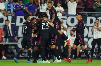 Mexico dominates Honduras, 3-0, moves into semis with another clean sheet