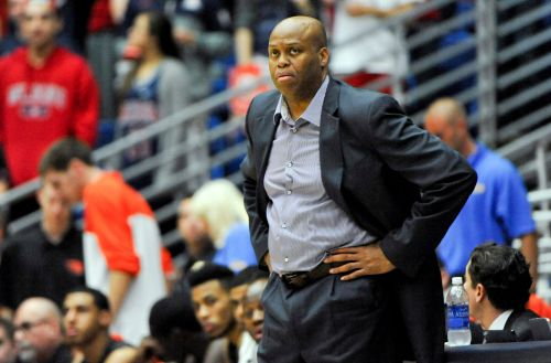 Michelle Obama's brother, ex-basketball coach and GM Craig Robinson, named executive director of NABC