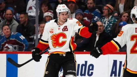 Flames use OT to squeeze past Avalanche in battle of NHL's hottest teams