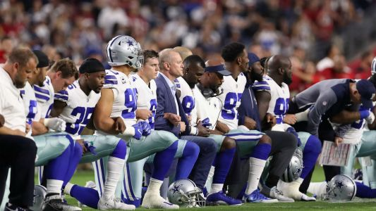 Civil rights groups ask NFL to reverse new anthem policy