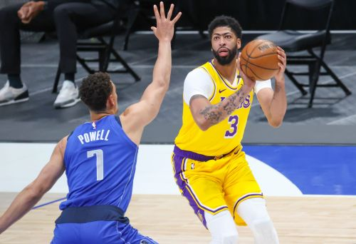 Opinion: Will the Lakers' patience with Anthony Davis' return pay off?