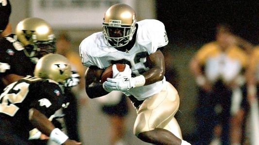 Ex-ND RB Denson to coach Charleston Southern
