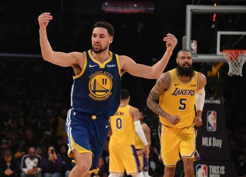 Klay Thompson sets NBA record by hitting 10 straight 3-pointers against the Lakers