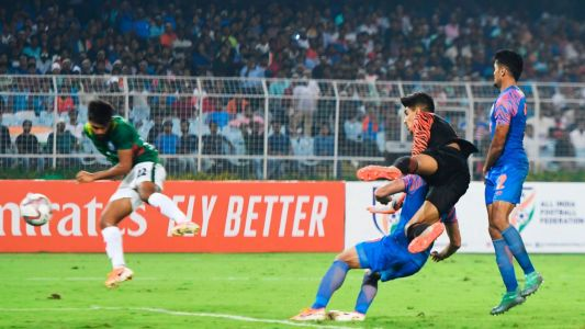 Disappointing India salvage last-gasp draw