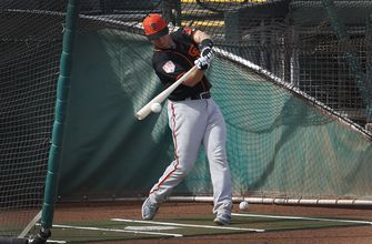 Buster Posey likely won't catch in early spring games
