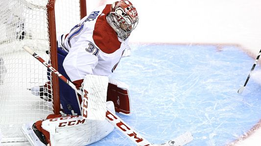 Carey Price makes desperate stick save to keep Canadiens close vs. Flyers