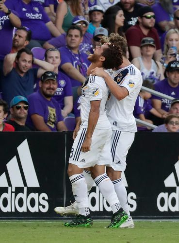Dos Santos early goal lifts Galaxy past Orlando City 1-0