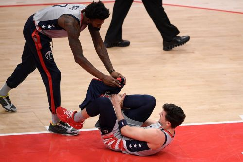 Wizards rookie Avdija done for season with broken right leg