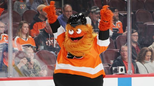 Gritty's best moments as NHL players vote them best mascot