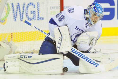 Lightning, Maple Leafs collide in divisional clash