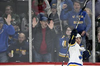 Blues win fourth in a row, 4-1 over Wild