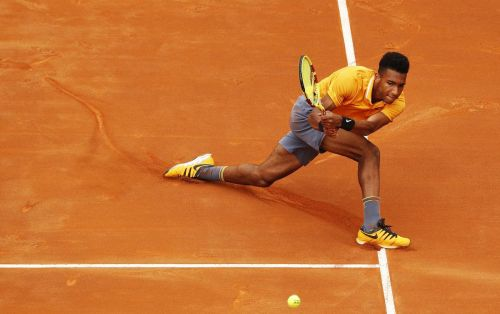 Félix Auger-Aliassime upsets top seed to advance to Lyon Open final