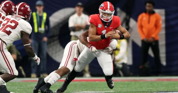 Justin Fields intending to transfer from Georgia