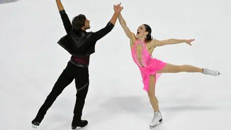 Canada's Fournier Beaudry, Sorensen in 3rd place after rhythm dance at Skate America