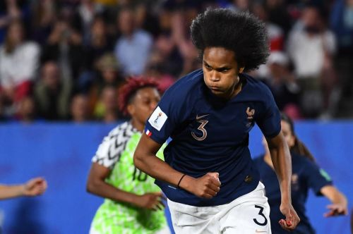 Host France perfect after group play at women's World Cup of soccer