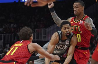 Collins, Reddish power Hawks' offense in win over Nets