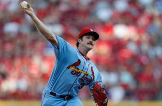 Mikolas strong early, falters late in Cardinals' 3-2 loss to Reds