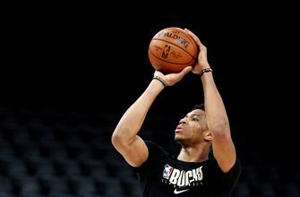 Antetokounmpo tells Williamson: 'Don't rush the process'