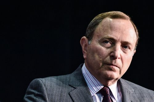 NHL, retired players reach tentative settlement in concussion lawsuit