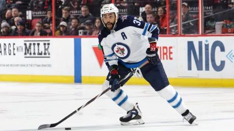Jets hold on to Dustin Byfuglien with defenceman poised to sit out season