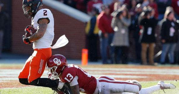 Oklahoma stops late 2-point try, tops Oklahoma State 48-47
