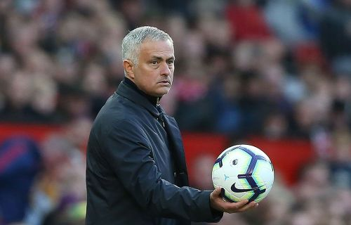 Manchester United: Jose Mourinho ditched team bus to walk to stadium