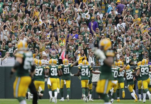 Majority of Packers fans say they won't go to games, but rest say they're ready for football